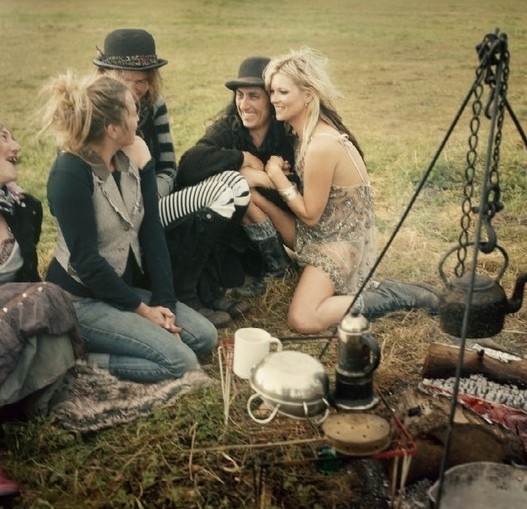 kate-moss-gypsies-03-copy