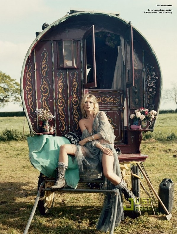 kate-moss-gypsies-03